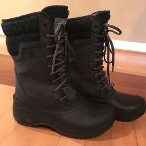 The north face boots black 6.5